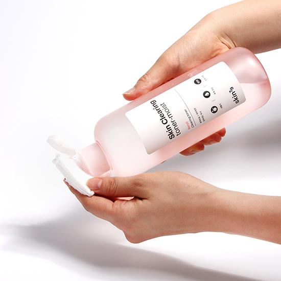 Skin-Clearing-Toner-moist
